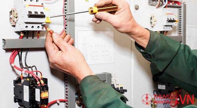 kiểm tra nguồn điện